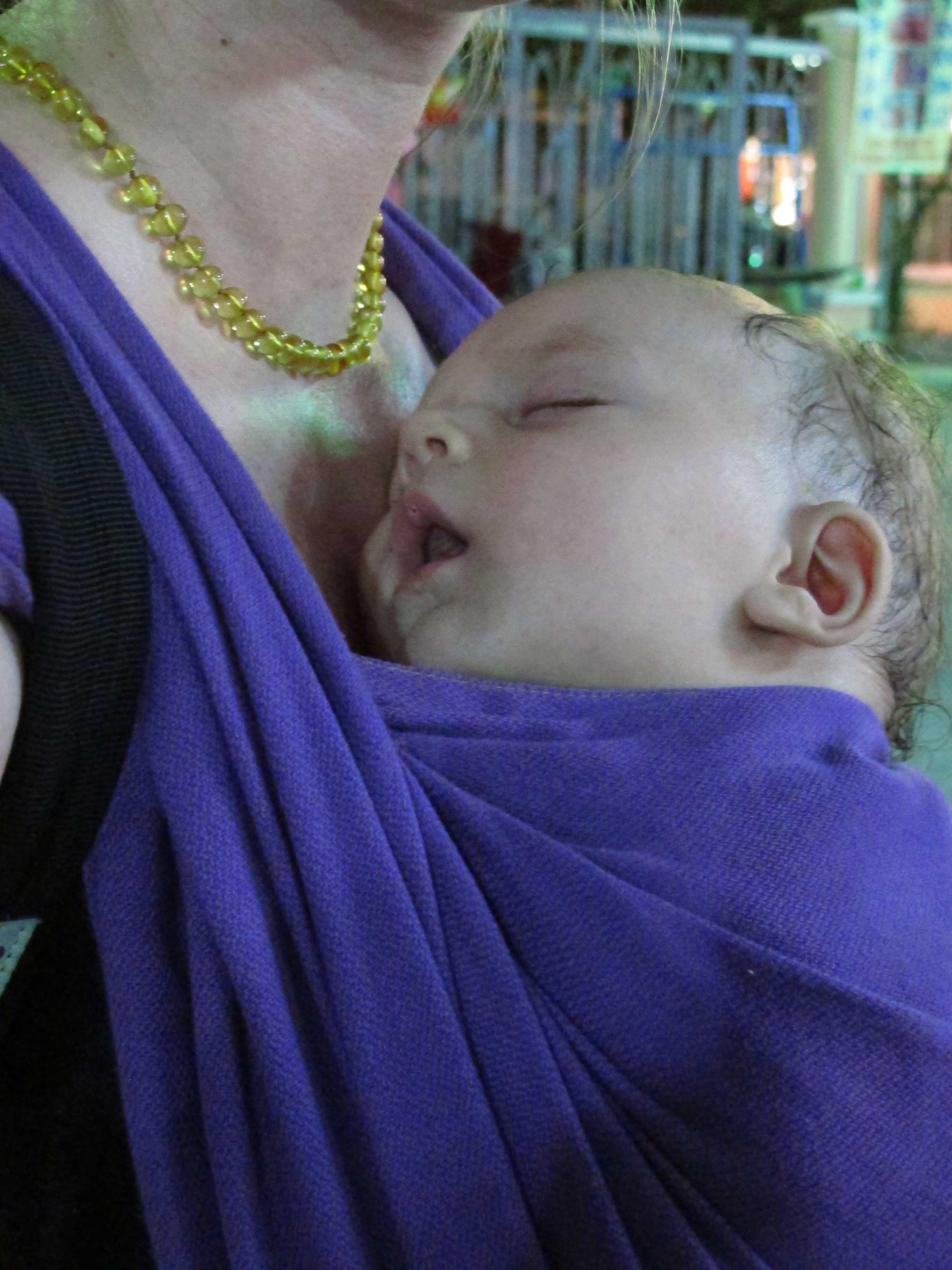 bébé transpire écharpe LLA