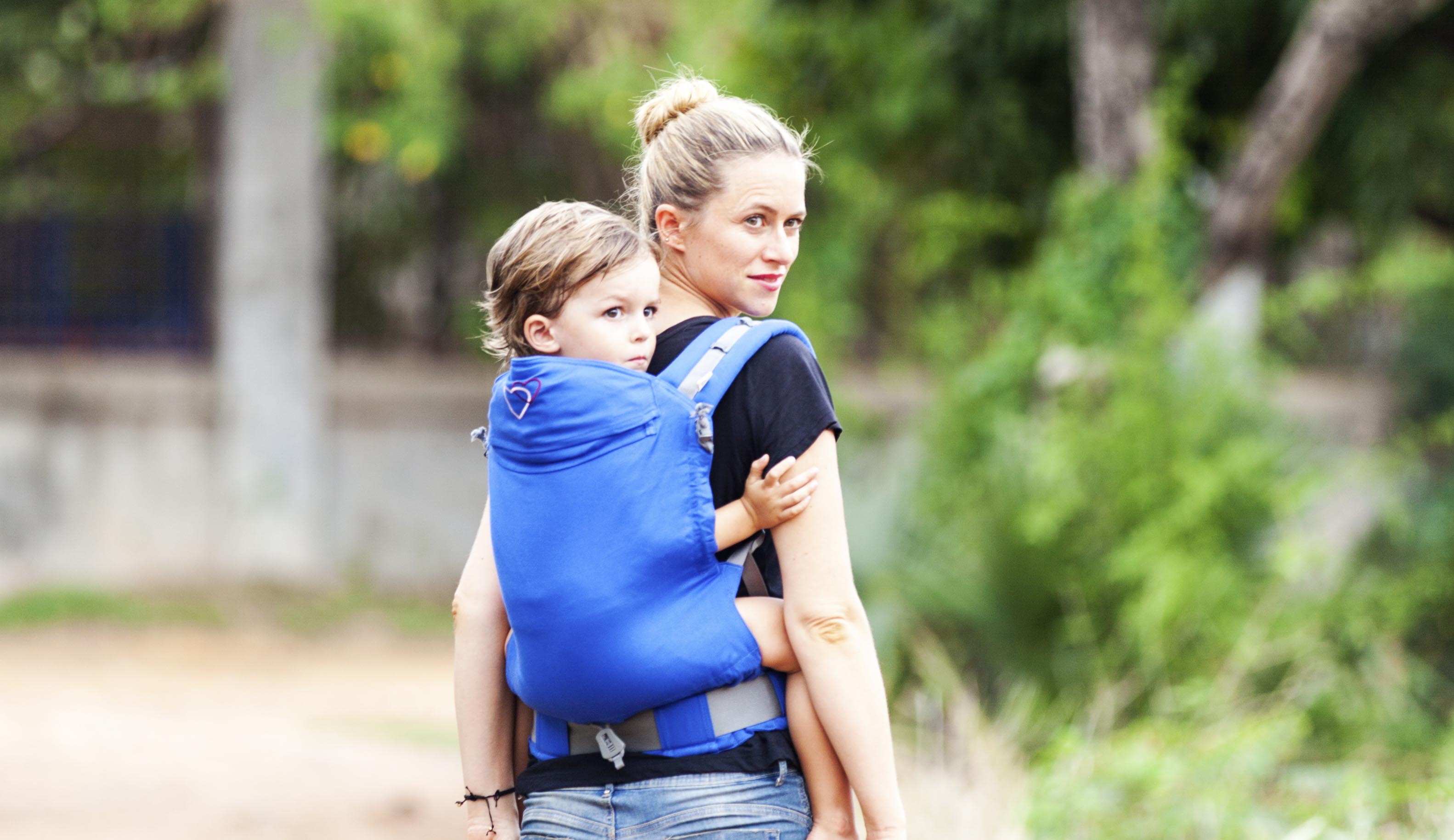 Un porte-bébé adapté aux enfants jusqu'à + de 3 ans