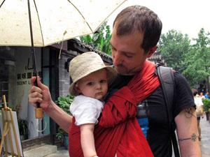 babywearing dad in ringsling LLA