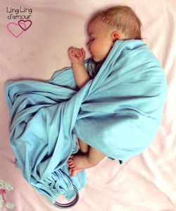 sleeping baby ringsling LLA